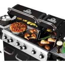 Broil King Regal XL Pro 6-Burner Freestanding Natural Gas Grill With Rotisserie & Side Burner - Black Broil King Regal XL Pro 6-Burner Freestanding Gas Grill - Lids Open With Food