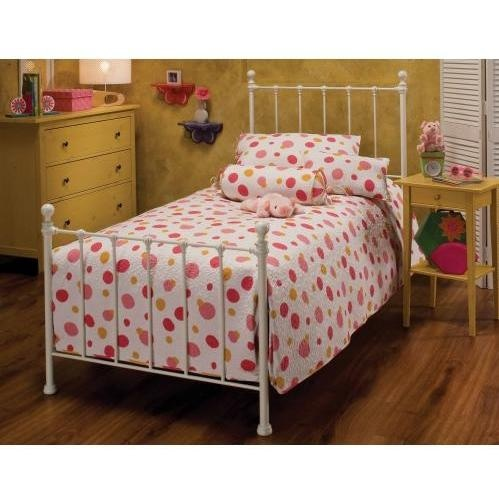 Hillsdale Molly White Metal Bed Set With Frame - Full - 1222BFR