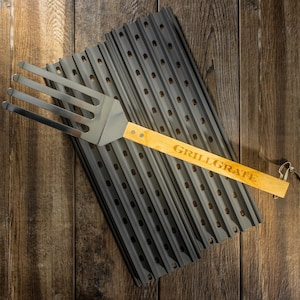 GrillGrate 17.375-Inch Hard Anodized Aluminum 2-Panel Grill Surface Set With Grate Tool image