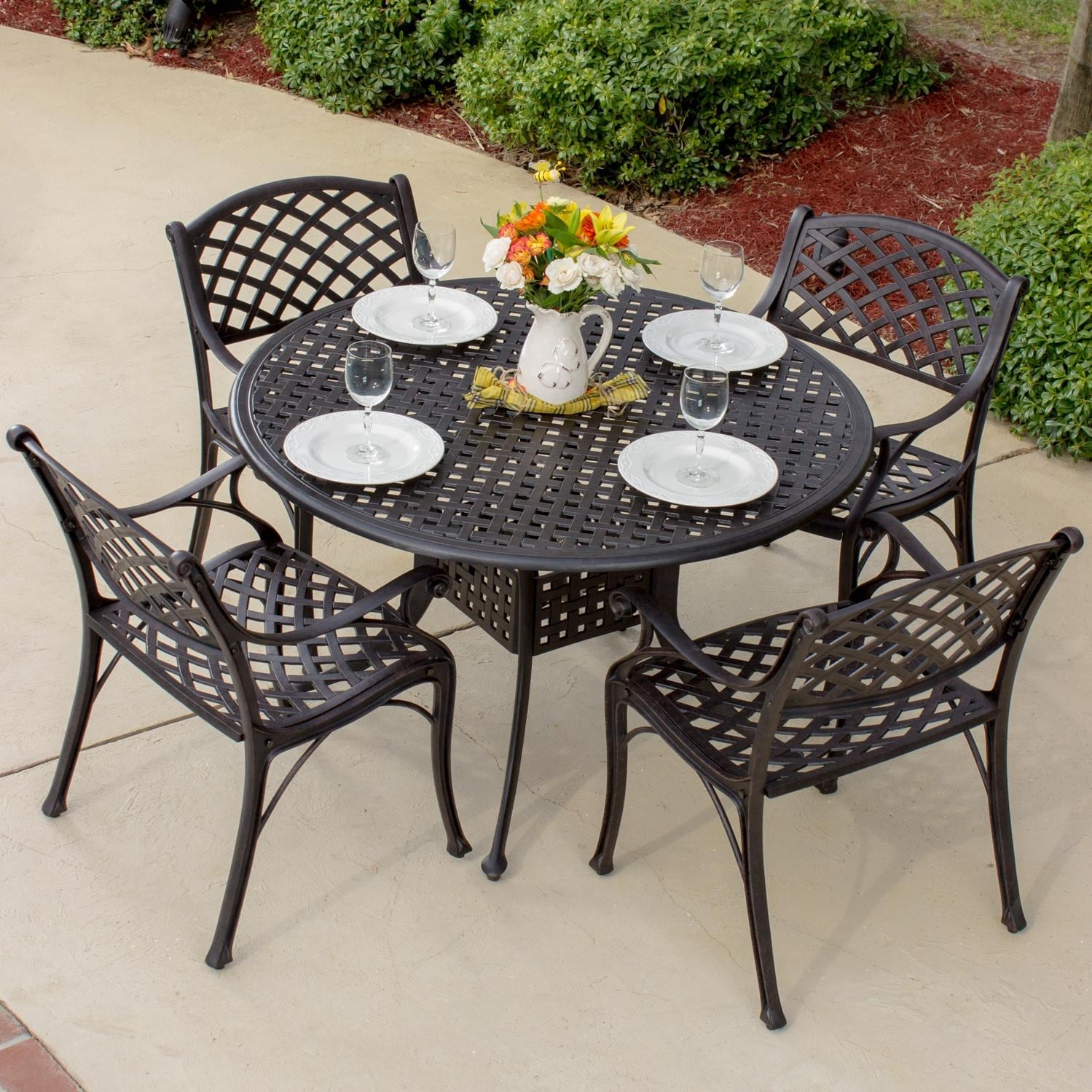 Heritage 4 Person Cast Aluminum Patio Dining Set With Round Table By Lakeview Outdoor Designs
