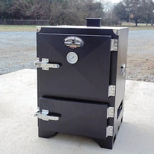 Backwoods Chubby 3400 Vertical Charcoal Smoker - LVPBSCH3400 image