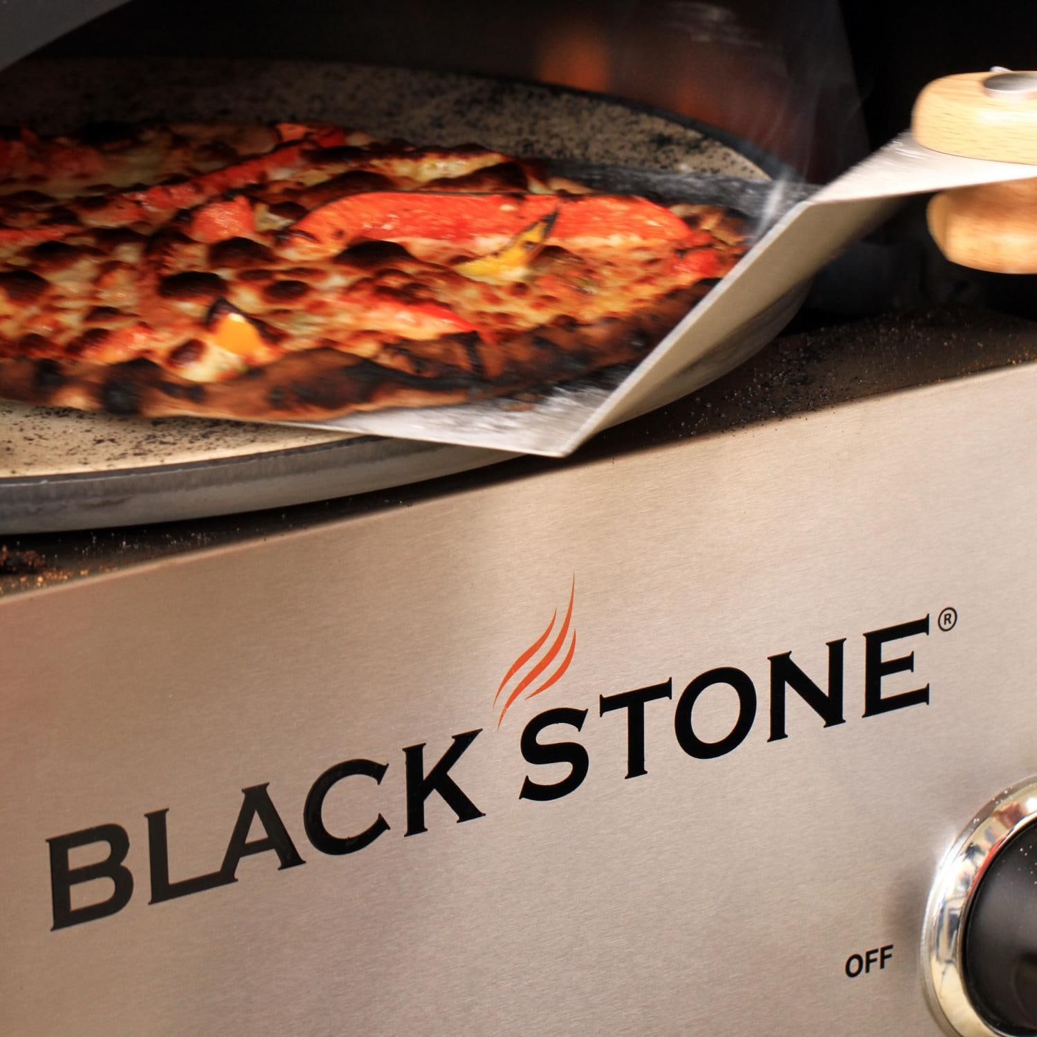 blackstone propane gas outdoor convection pizza oven on
