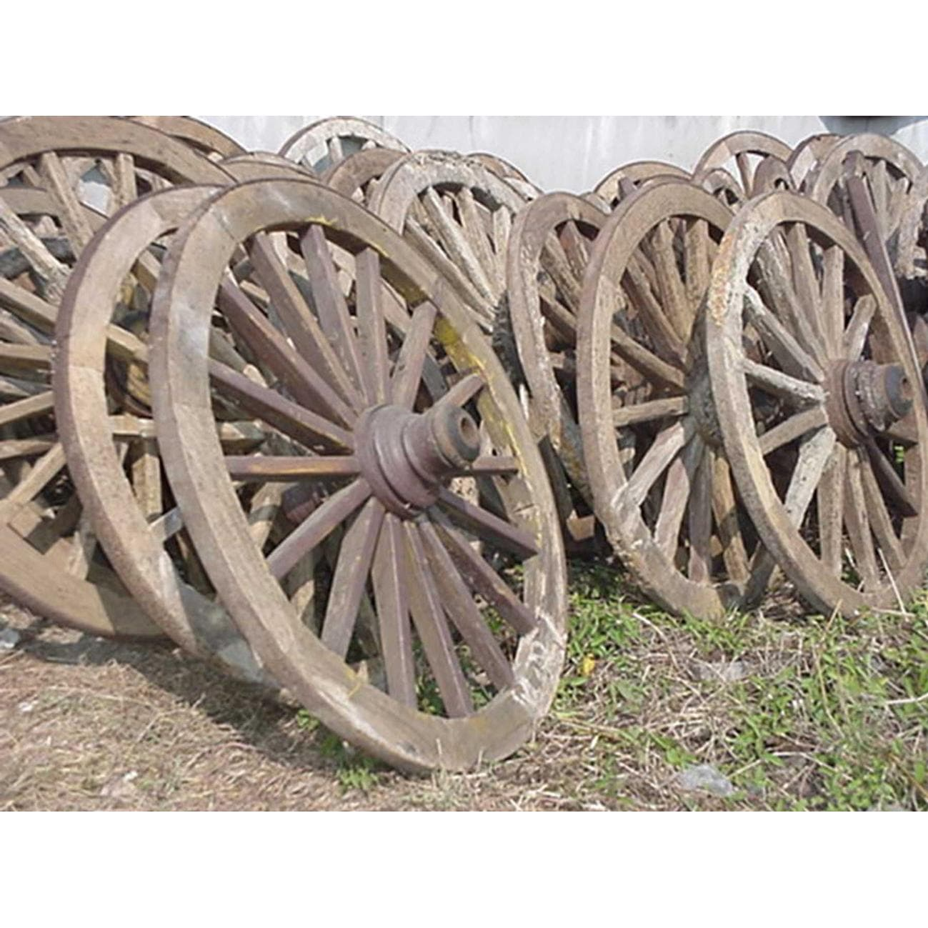 Antique Western Wood Wagon Wheel. Groovy Stuff Outdoor Patio Furniture