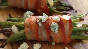 Grilled Bacon-Wrapped Green Beans