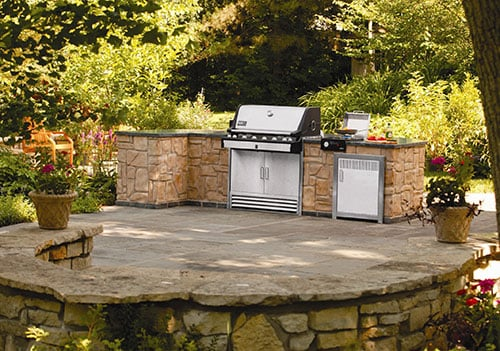 6 Essentials For An Unbeatable Outdoor Kitchen